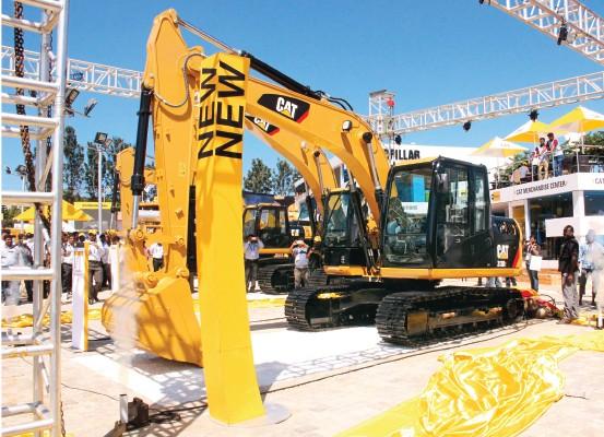 Caterpillar to make trucks in India