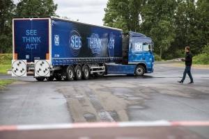04-2_ZF_Innovation_Truck_2016_Safe_Range copy