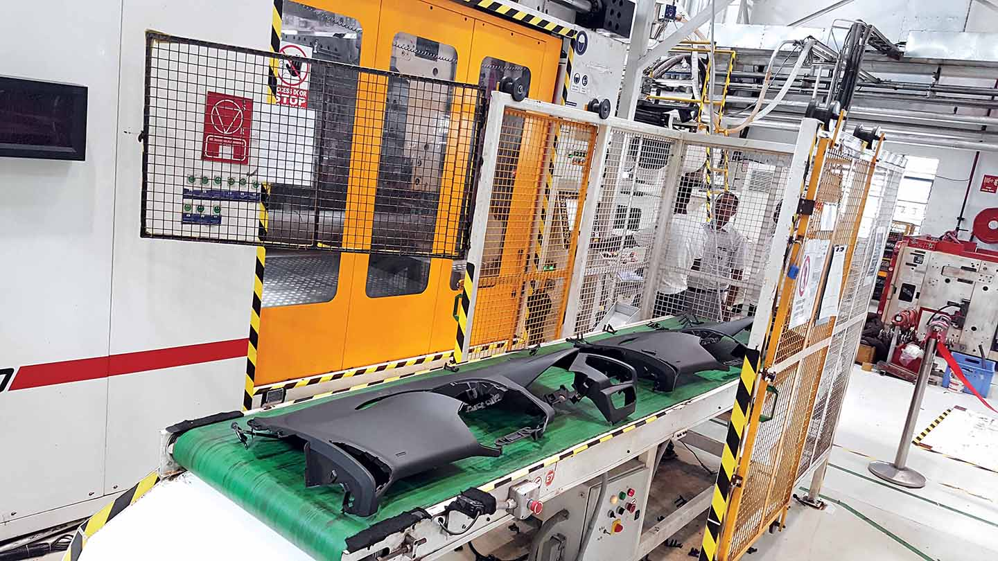 Faurecia to support isuzu pick ups commercial vehicle magazine in india upcoming truck - Faurecia interior systems ...
