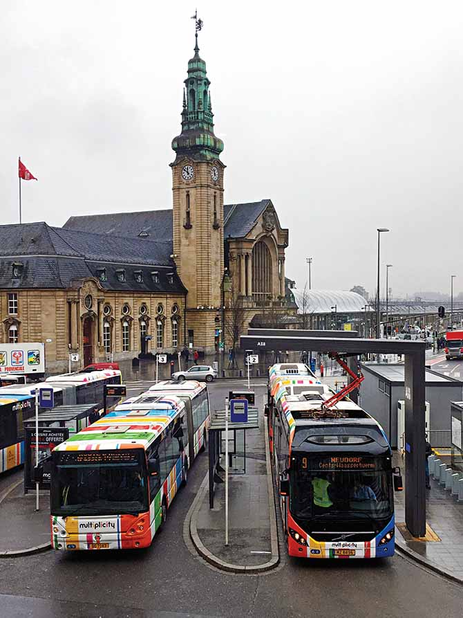 Electric buses profit from new charging methods