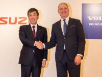 Volvo Group transfer UD Truck business to Isuzu Motors