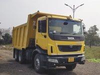 Driving the Tata Prima LX 2825.TK BSVI
