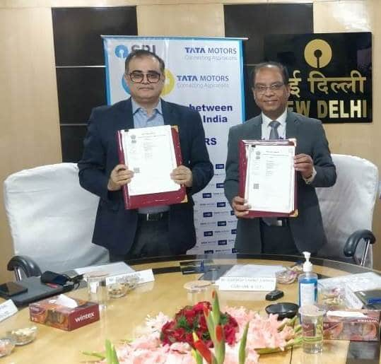 Tata Motors partners with  State Bank of India